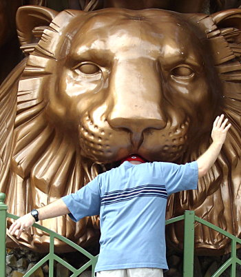 Brian fooling around at the Siegfried and Roy memorial
